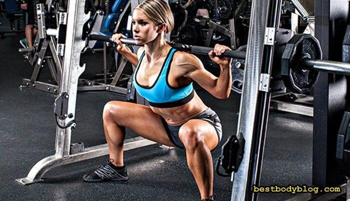 Тренировка для девушек в тренажерном зале | Приседание плие