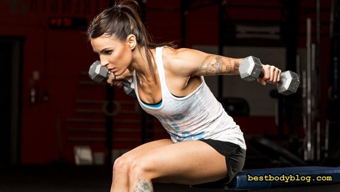 Тренировки для женщин в тренажерном зале | Разведение гантелей в наклоне