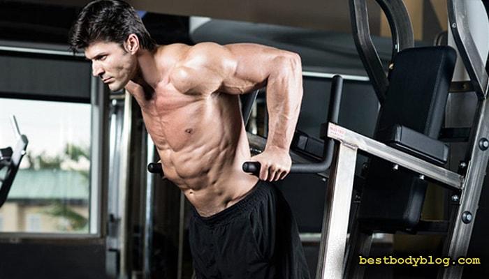 Лучшие упражнения на грудь | Отжимания на брусьях