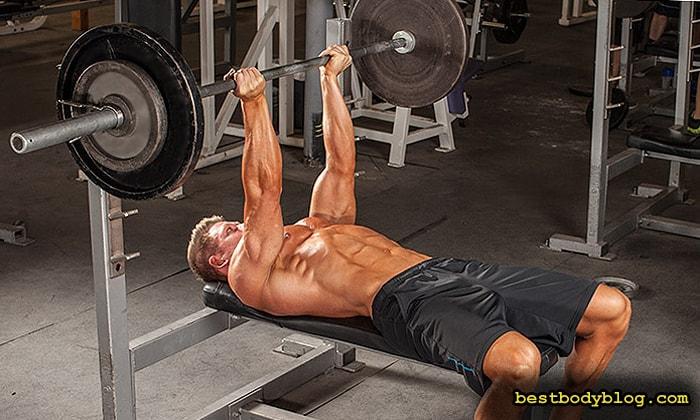Лучшие упражнения на грудь | Жим штанги лежа обратным хватом