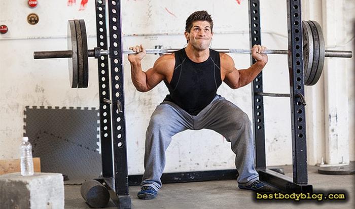 Упражнение для ног на массу | Приседание с широкой постановкой стоп