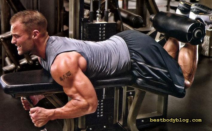 Упражнение для набора мышечной массы бицепса бедра | Сгибание ног на станке