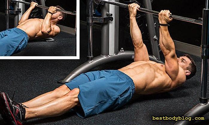 Лучшие упражнения на бицепс | Подтягивания на бицепс в тренажере Смита