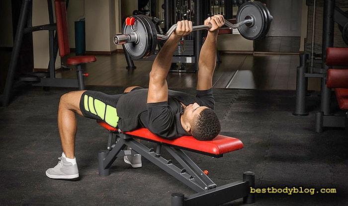 Лучшие упражнения на трицепс | Французский жим штанги лежа