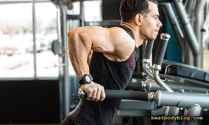 Лучшие упражнения на трицепс | Отжимания на брусьях