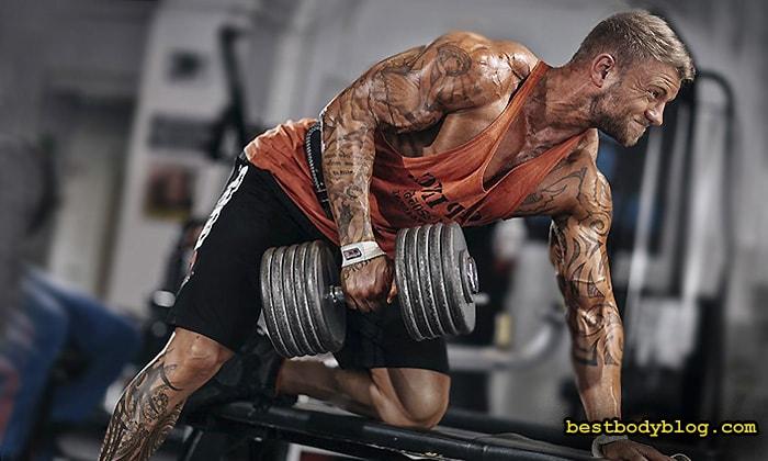 При наборе мышечной массы медленный источник белка имеет первоочередное значение
