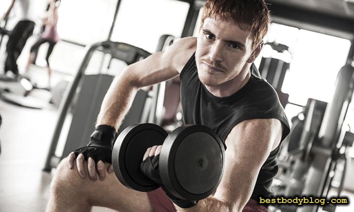 Вопрос, почему не растут мышцы рук, волнует большинство новичков в тренажером зале