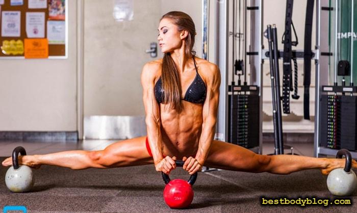 Упражнения на растяжку всегда присутствуют в арсенале звезд бодибилдинга и фитнеса