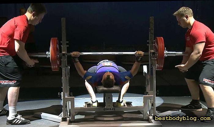 Рост мышечной массы и скорость похудения от роста силовых показателей напрямую не зависят