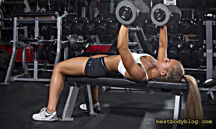Жим гантелей лежа | Самое популярное упражнение на грудь среди профессионалов