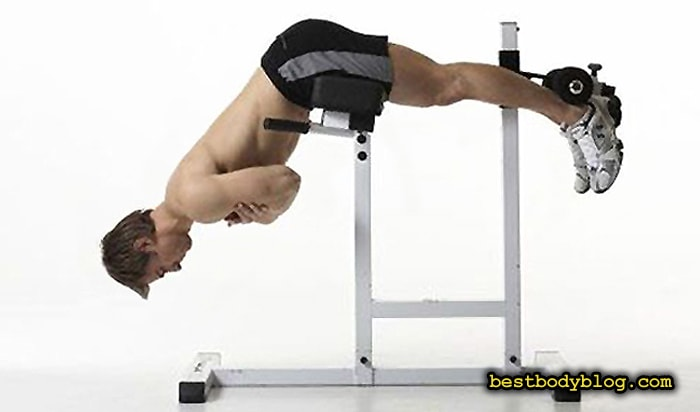 Упражнение для набора массы которого стоит избегать   Экстензия (разгибание туловища)