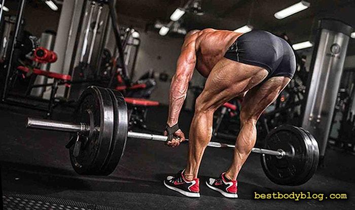 Становая тяга на прямых ногах - базовое упражнение для задней поверхности бедра