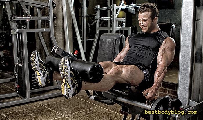 Лучшие упражнения на ноги. Разгибание ног в тренажере