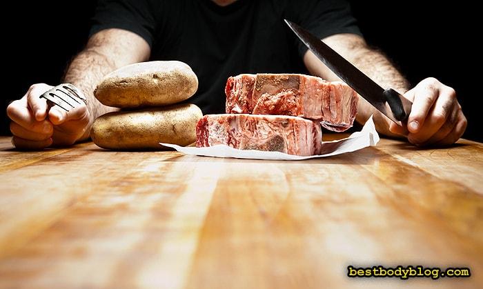 Утверждение о том, что при наборе мышечной массы нужно поедать горы протеина - досужий миф