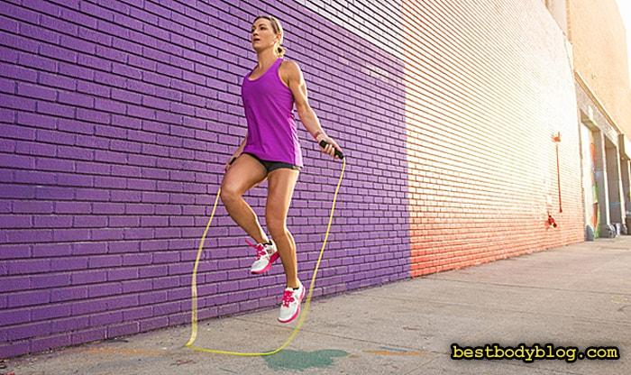 Прыжки на скакалке - отличный способ похудеть быстро, выполняя упражнение со своим весом