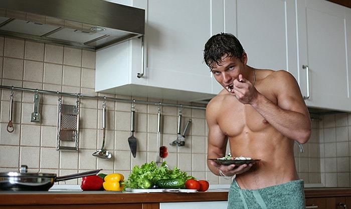 Полноценное питание в течении дня - вот главная составляющая рациона для набора массы