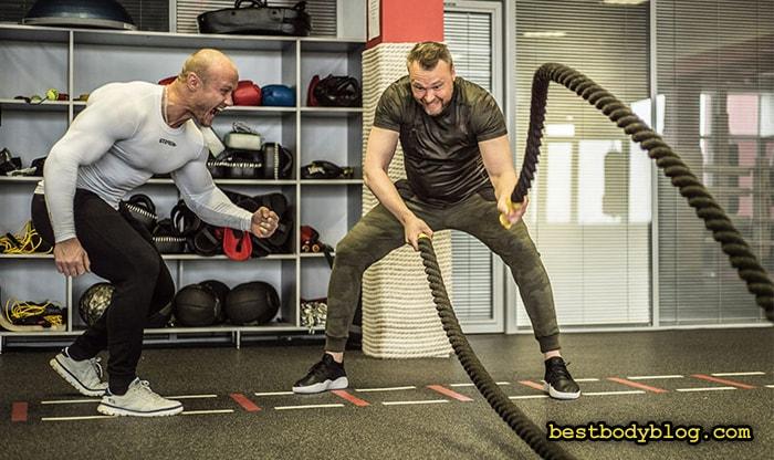 Упражнение с канатами - отличное упражнение для похудения и развития силовой выносливости