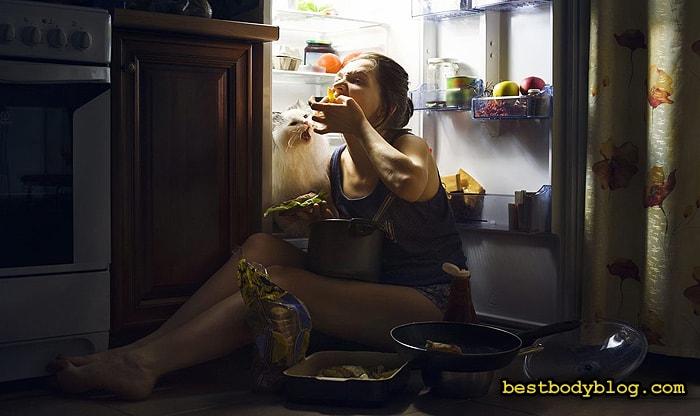 Обильное питание перед сном - одна из основных причин ожирения