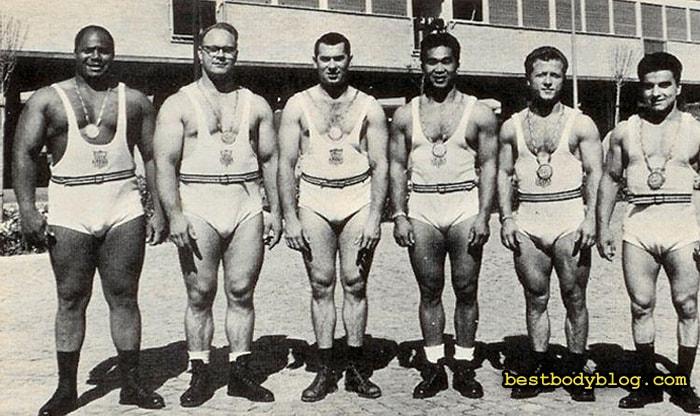 Джим Бредфорд (крайний слева) | Автор жима Бредфорда
