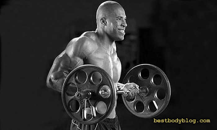 Забытые упражнения на массу | Подъем штанги на бицепс с отведением локтей назад