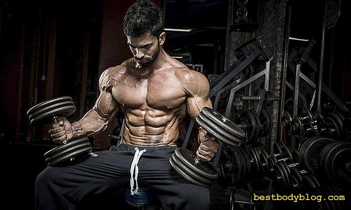 Чтобы избежать застоя, стиль тренировки груди нужно периодически менять