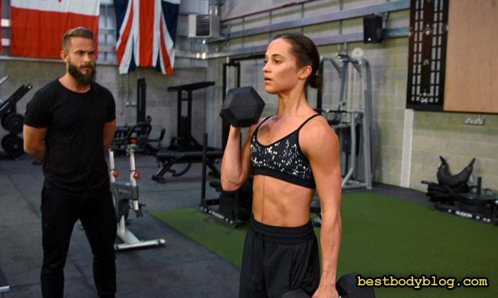 Базовые упражнения со штангой и гантелями | Ключ к набору мышечной массы