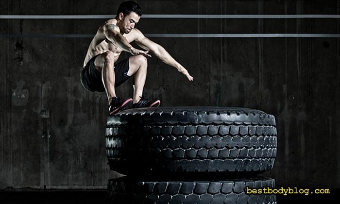 Прыжковые упражнения включает в свою программу каждый кроссфитер