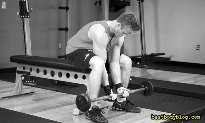 Упражнение на пик бицепса