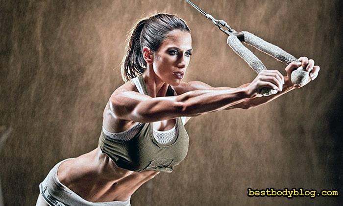 Женская тренировка рук должна быть интенсивной, но короткой