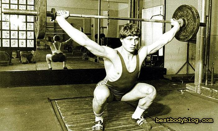 Нику Влад, румынский чемпион, придумавший как качать спину без становой тяги