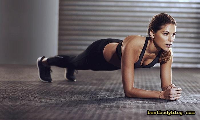 Планка для женщин - это идеальное упражнение