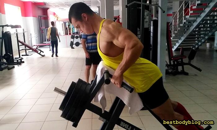 Тяга т-штанги лёжа - слабая замена базовой версии упражнения