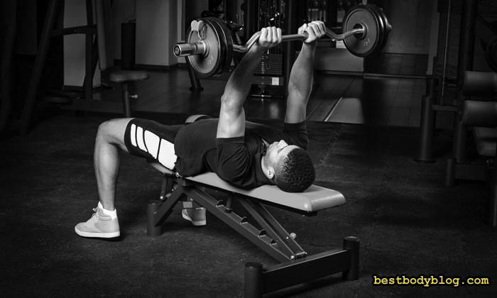 Контроль за локтями в упражнениях для трицепса очень важен