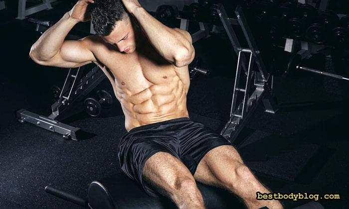 Мышцы живота нужно держать напряженными на протяжении всего подхода