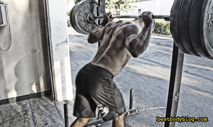 Недостатков у силовой тренировки утром столько же, сколько и достоинств