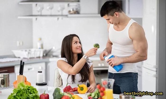 Питаться в жару нужно по-особому. Меньше сахара и соли, больше овощей и фруктов