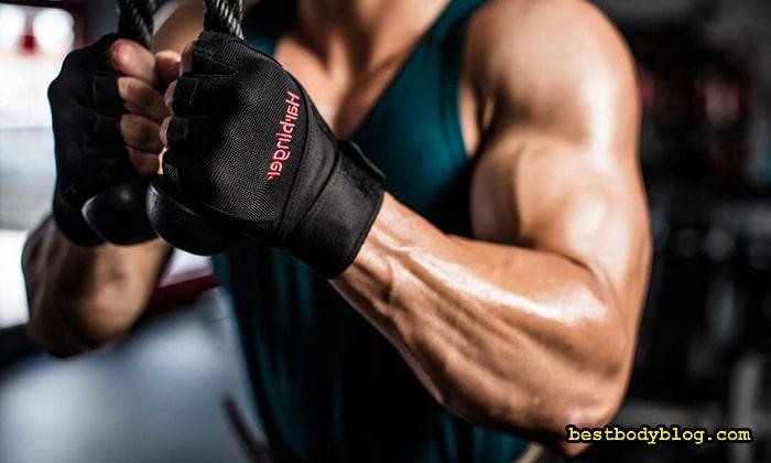 Правильные перчатки для бодибилдинга должны иметь фиксатор кисти