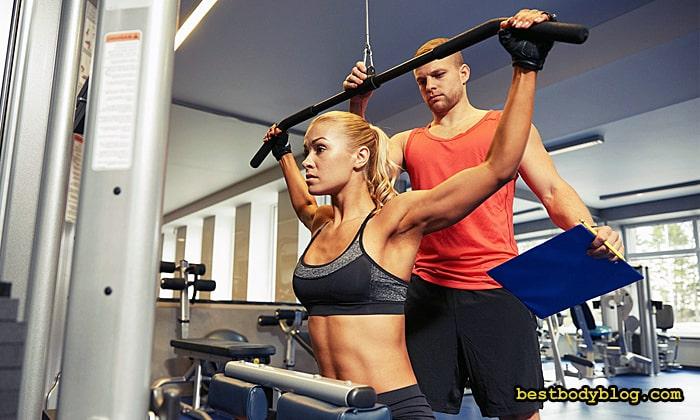 Тренировка с фитнес-тренером