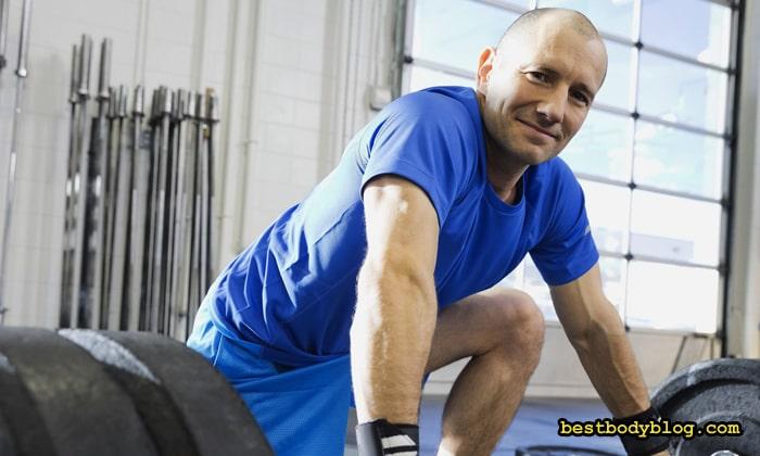 Бодибилдинг для мужчин. Приседания и становая тяга - лучшие упражнения для тестостерона