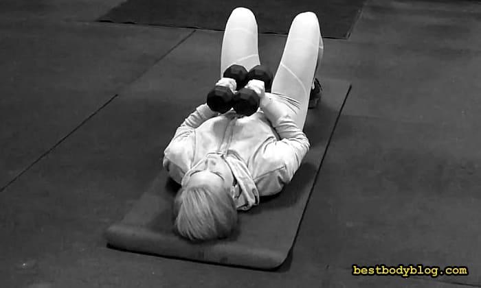 Упражнение на середины груди