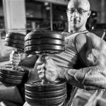 Як накачати м'язи грудей